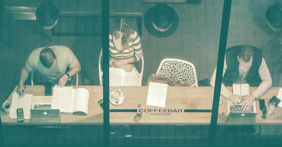 Certains ont besoin de voir des gens, d'être au milieu de l'action pour être productif. Le café est tout indiqué!